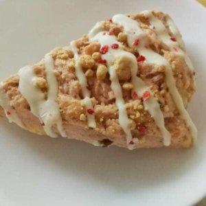スタバのいちごスコーン【ストロベリーチーズケーキ】を食べた感想